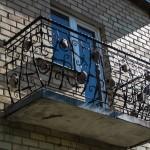 #broliųkalvė balkonas su akmenukais (3)