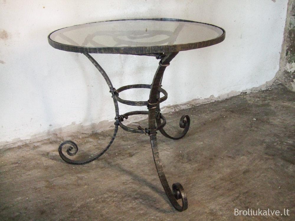 #broliu kalve staliukas (2)
